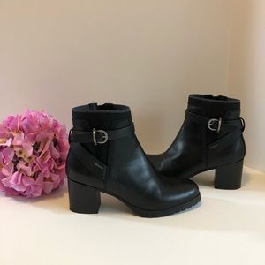 Geox Respira Leather Lise ABX Black ankle Boots